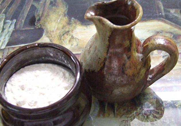 PNEVMATIKH_ZWH - pot-of-oil-and-flour.jpg